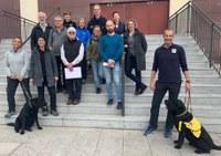 Grupo de expertos red cría perros guía
