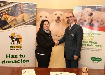 Firma del acuerdo entre FOPG y Specsavers