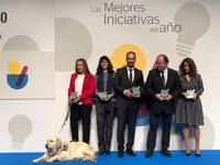 Foto familia premio Correo Farmaceutico a la FOPG