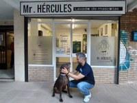 Jesús Martín con su perro Hércules