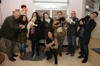 Trabajadores de Metro Ligero con la camada de futuros perros guía