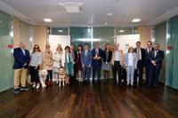 Foto de familia de la exhibición en las instalaciones del Banco Santander